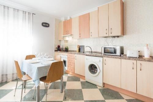 Apartment La Malaguena - фото 12