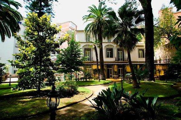 HOTEL VILLA RANIERI - фото 0