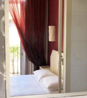 Acanthe Hotel - фото 1