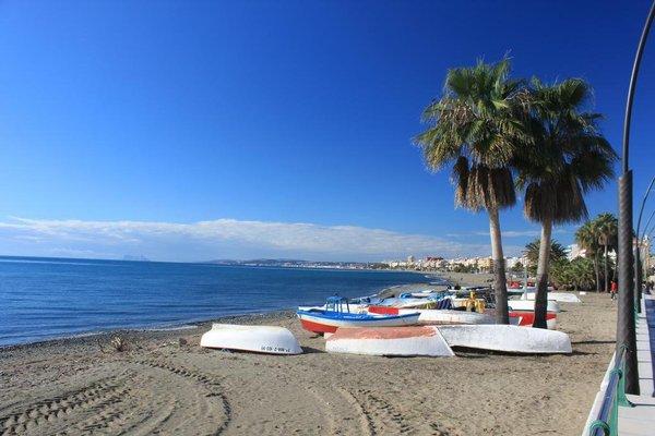 Apartment Front Line Estepona Beach - фото 8