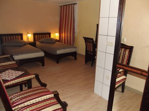 Regenbogen Hotel - фото 2