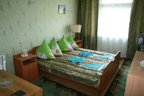Отель «Голубая Волна», Прибрежное