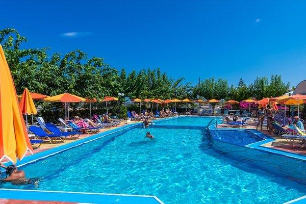 Отель «Ilianthos Park», Аделианос Кампос