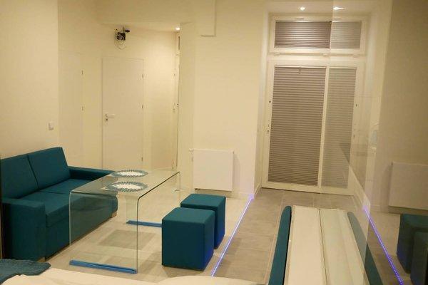 Mirror Apartments - фото 21