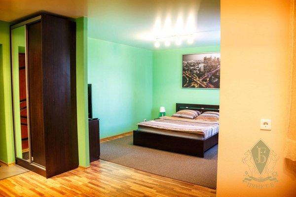 Apartments on Isakova - фото 8