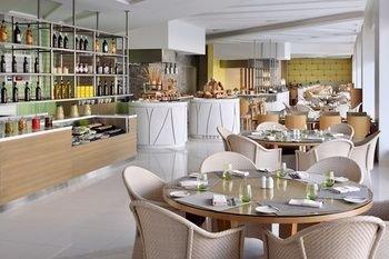 Marriott Executive Apartments Downtown, Abu Dhabi - фото 14