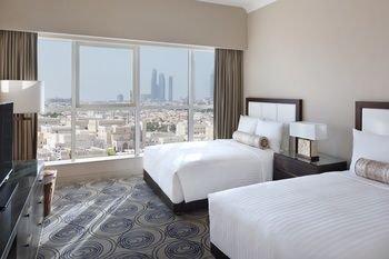 Marriott Executive Apartments Downtown, Abu Dhabi - фото 2