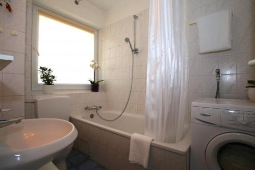 Private Apartment Friedrich-Ebert-Strasse (4287) - фото 12