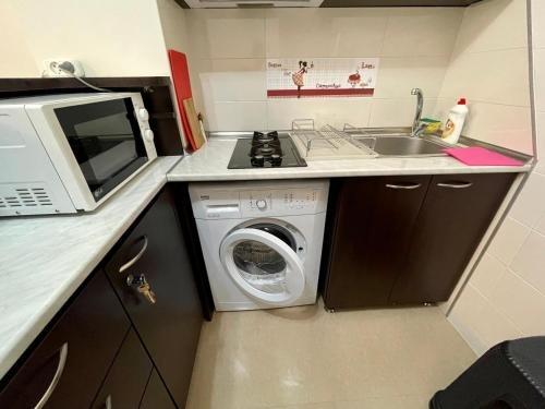 Keti 's Apartment in Batumi - фото 20