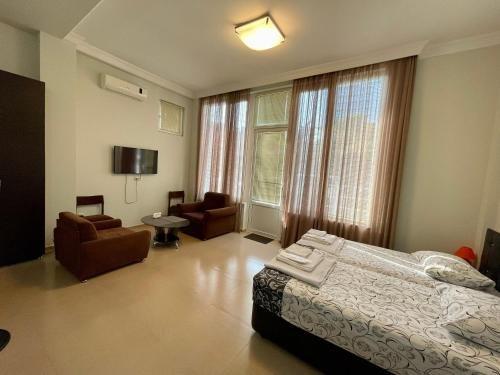 Keti 's Apartment in Batumi - фото 6