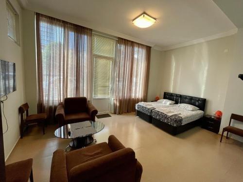 Keti 's Apartment in Batumi - фото 8