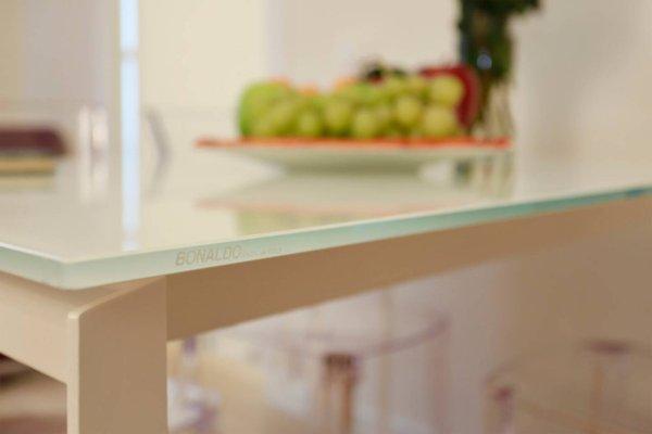 Opera 19 Luxury Apartment - фото 9