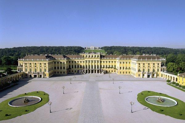 Гостиница «Austria Trend Schloss Schoenbrunn Grand Suite», Вена