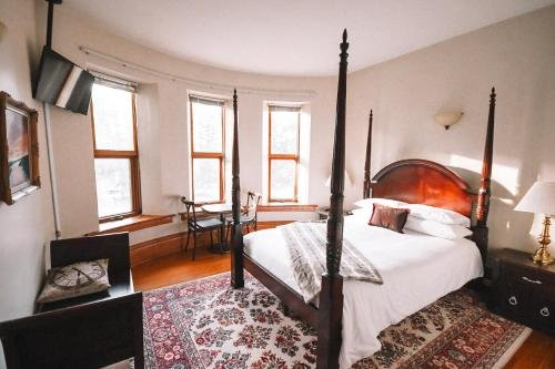 Photo of Bellas Castle Bed and Breakfast