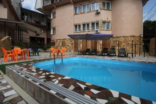 U Oksani Guest House - фото 4