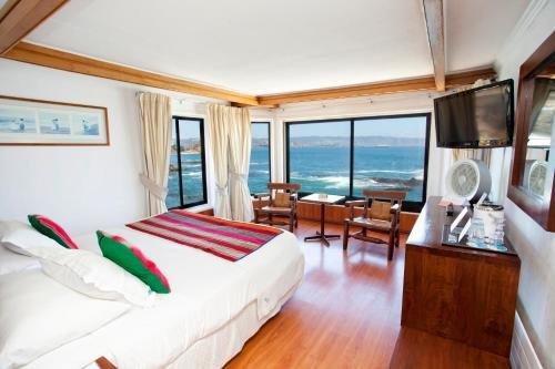 Hotel Oceanic - фото 1