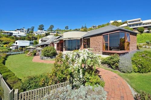 Cliff-top Holiday Home - фото 2