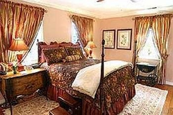 Photo of Wayside Inn Bed and Breakfast
