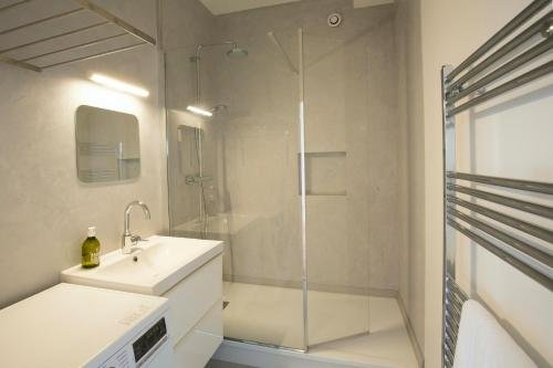 Place Saint Michel Apartment - фото 13