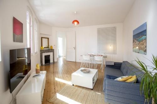 Place Saint Michel Apartment - фото 4