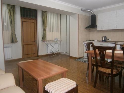 Apartment on Getapnya 74 - фото 1