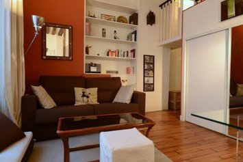 Friendly Rentals Notre-Dame Apartment