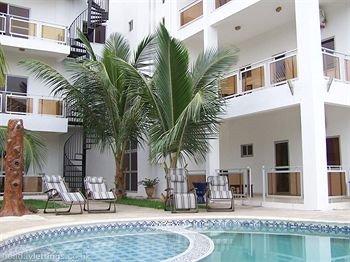 Wavecrest Hotel, Kotu