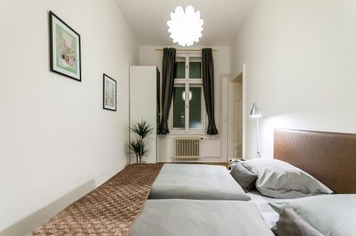 Square Apartment - фото 20