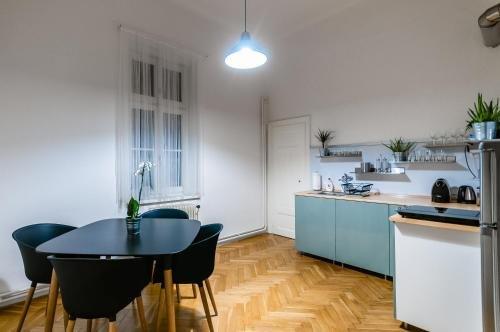 Square Apartment - фото 14