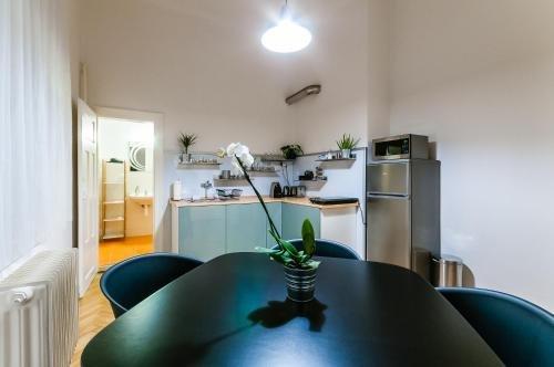 Square Apartment - фото 18