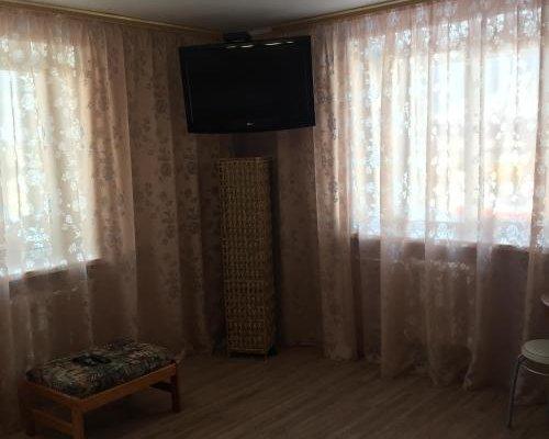 Studio apartment on prospekt 50 let Oktyabrya - фото 4