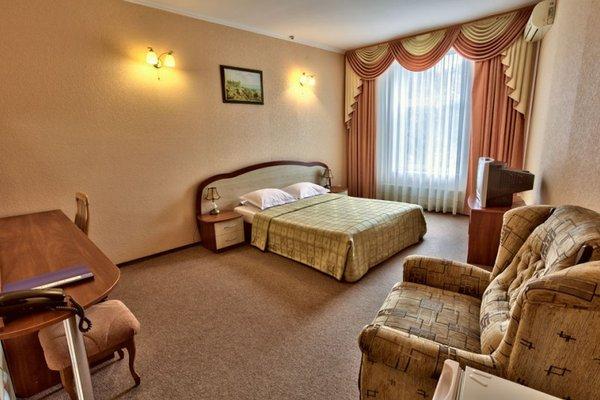 Отель «Дельфин», Севастополь