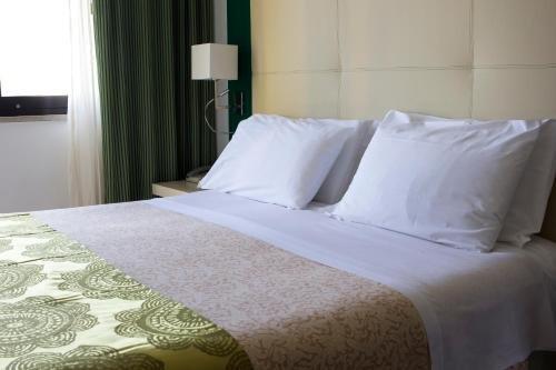 Green Park Hotel - фото 1