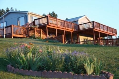 Photo of Sawin' Logs Inn
