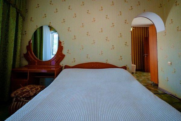 Elladen Guest House - фото 9
