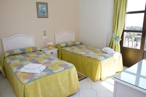 Apartamentos El Toro - фото 4