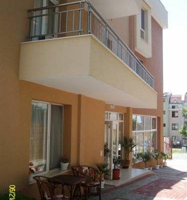 Kozarov Family Hotel - фото 17