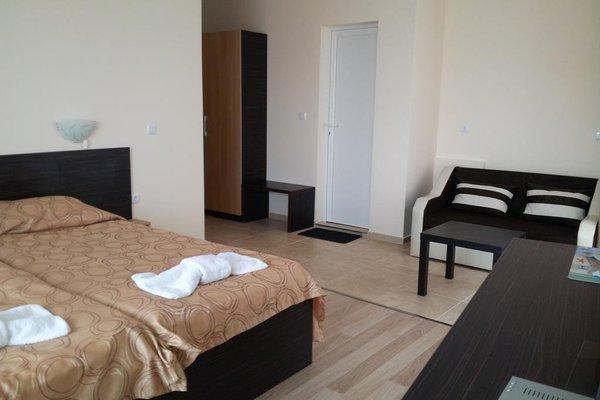 Kozarov Family Hotel - фото 2