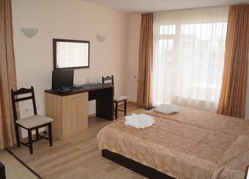 Kozarov Family Hotel - фото 7