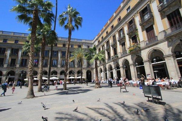 Barcelona City Street - фото 21