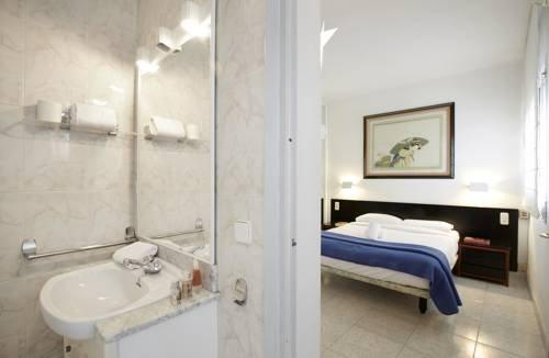 Ainb Diagonal Francesc Macia Apartments - фото 15