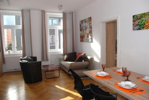 Living Like Home Apartments - фото 3
