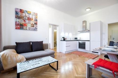 Living Like Home Apartments - фото 7