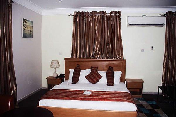 Гостиница «TAE SUITES», Лагос