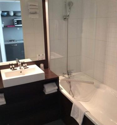 Апарт-отель Quality Hotel Nantes - фото 11