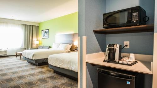 Photo of Holiday Inn Express & Suites - Dripping Springs - Austin Area, an IHG Hotel