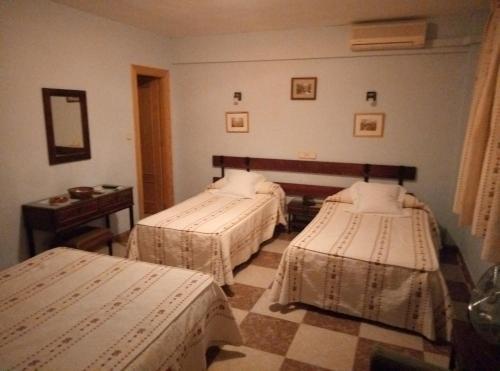 Hostal Residencia Castilla - фото 2
