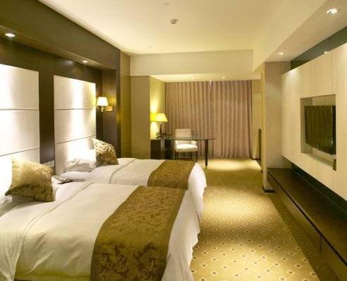 Zhe Hai Grand Hotel - фото 0