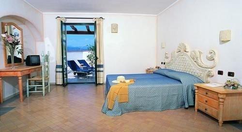 Hotel Poseidonia - фото 1