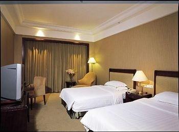 Grand Royal Hotel - фото 1